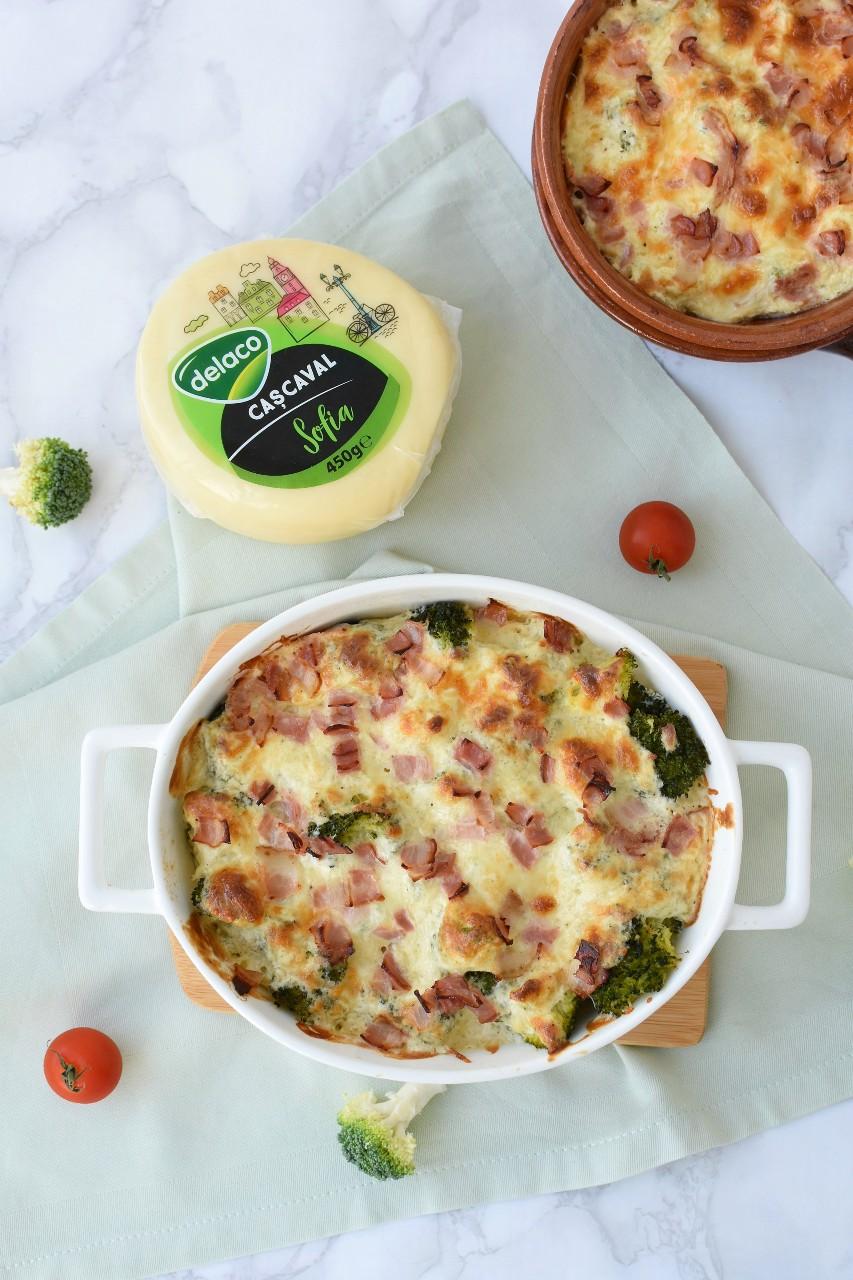 Broccoli gratinat cu bacon si cascaval Delaco - foodieopedia