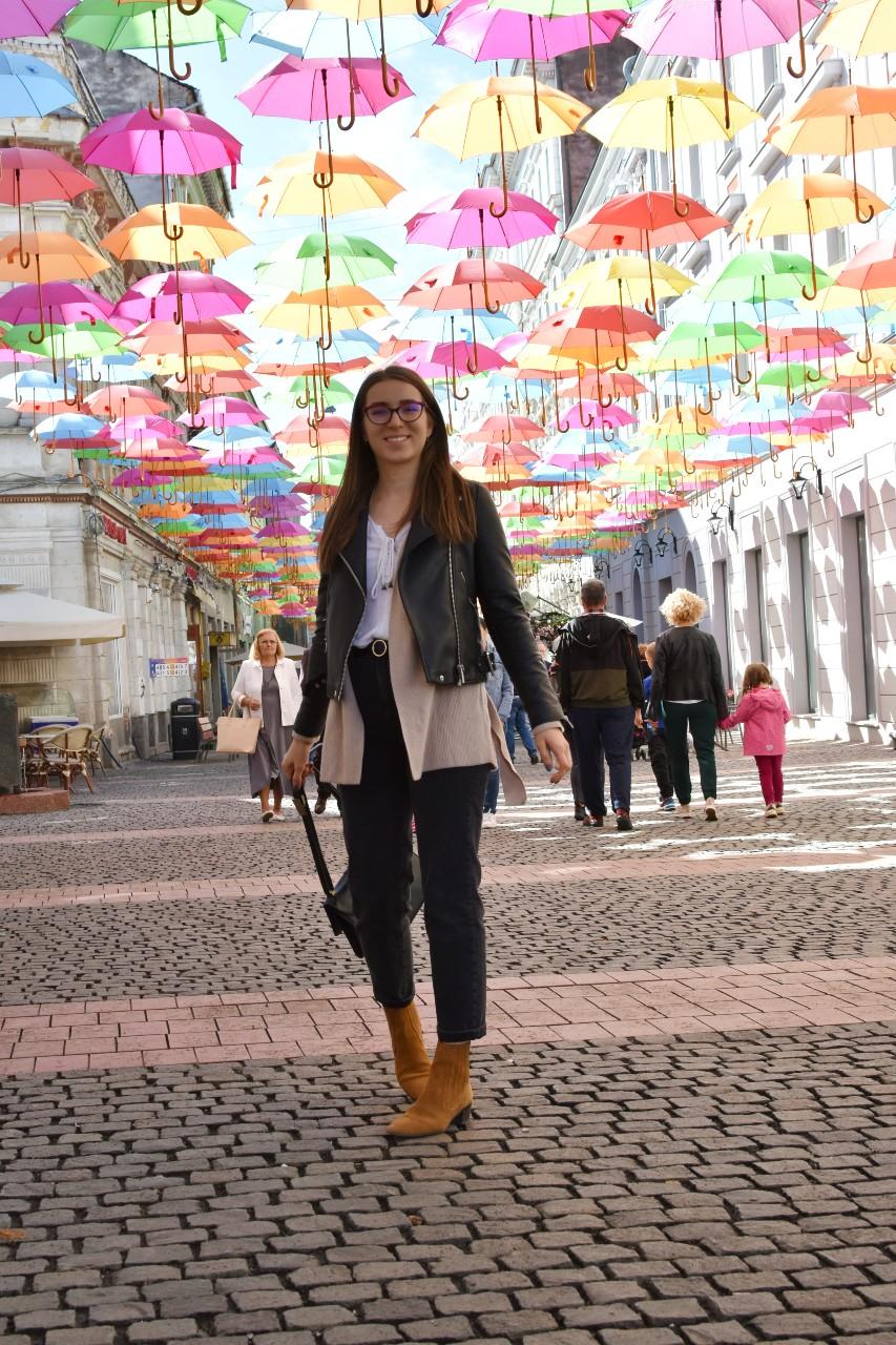 Timisoara strada cu umbrelute - foodieopedia