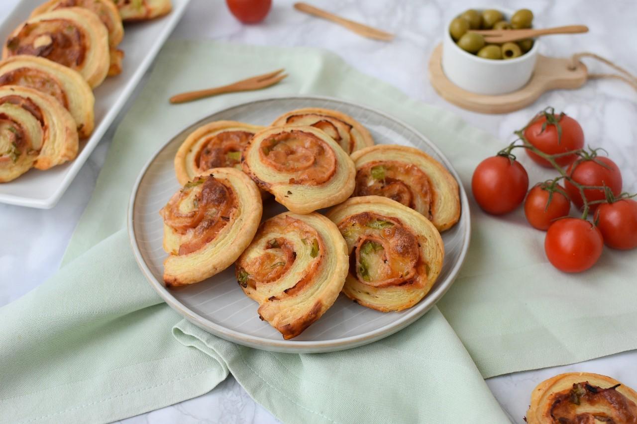 Spirale din foietaj cu cascaval - foodieopedia