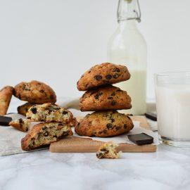 Biscuiti cu ciocolata si nuca - foodieopedia