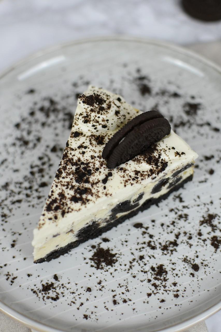 Cheesecake cu biscuiti Oreo - foodieopedia