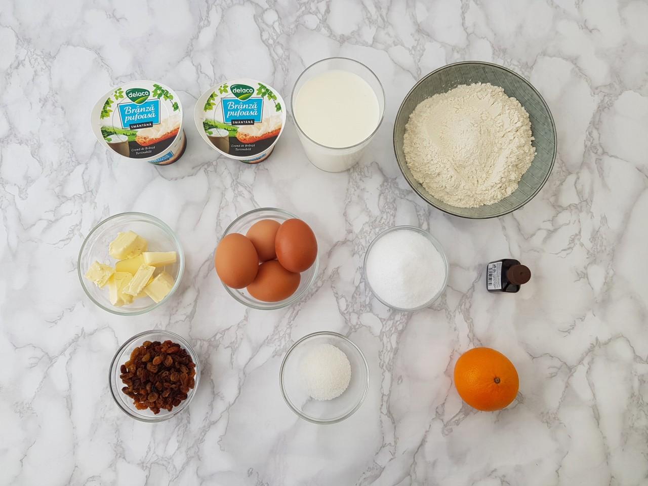 Clatite umplute cu branza si stafide la cuptor - foodieopedia