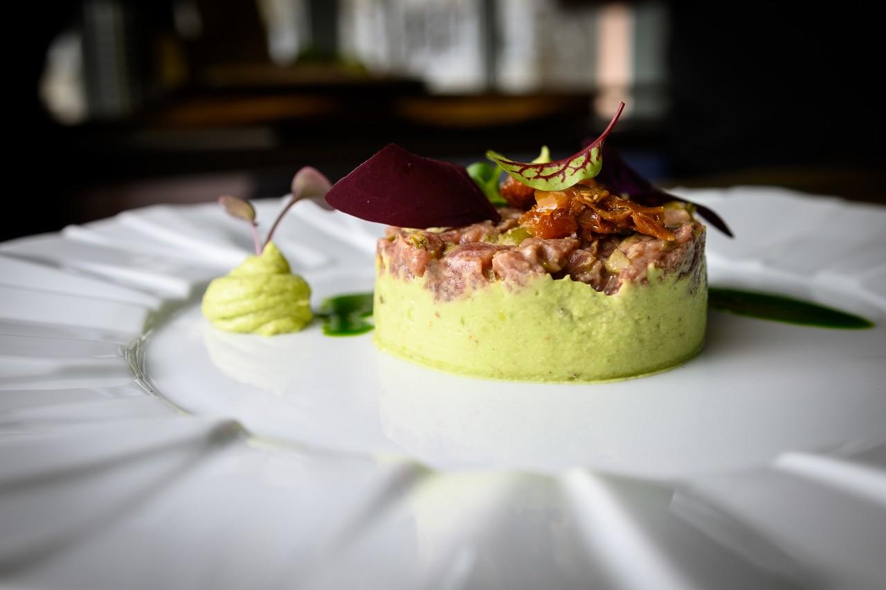 Tartar de vita cu crema de avocado - Masteclass by Raul Vidican