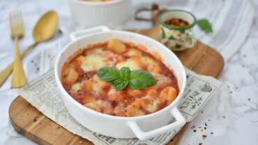 Gnocchi cu mozzarella si bacon la cuptor